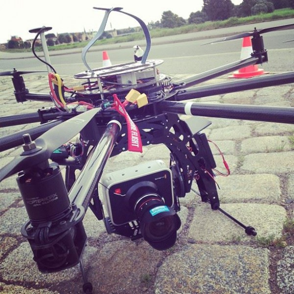 Octocopter-Black-Magic-Cinema-Test-Flug