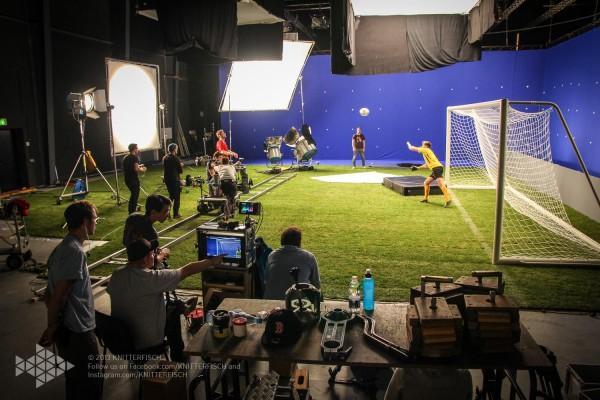 Fußball-ElectricSun-Lichtaufbau-ParkStudios-Babelsberg-Bluescreen-Set